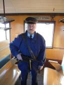 Drážní policista v parním vlaku