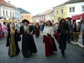 Středověký průvod