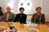 Malířka Jitka Jakubcová Jakšíková (uprostřed), výstava Krajiny srdce