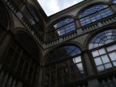 142 Pohled na nádvoří zámku