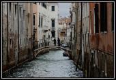 0024 Odpolední rande na mostě, Benátky, Itálie