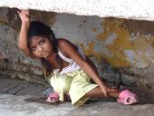 0059 Indická dívenka, předměstí Agry