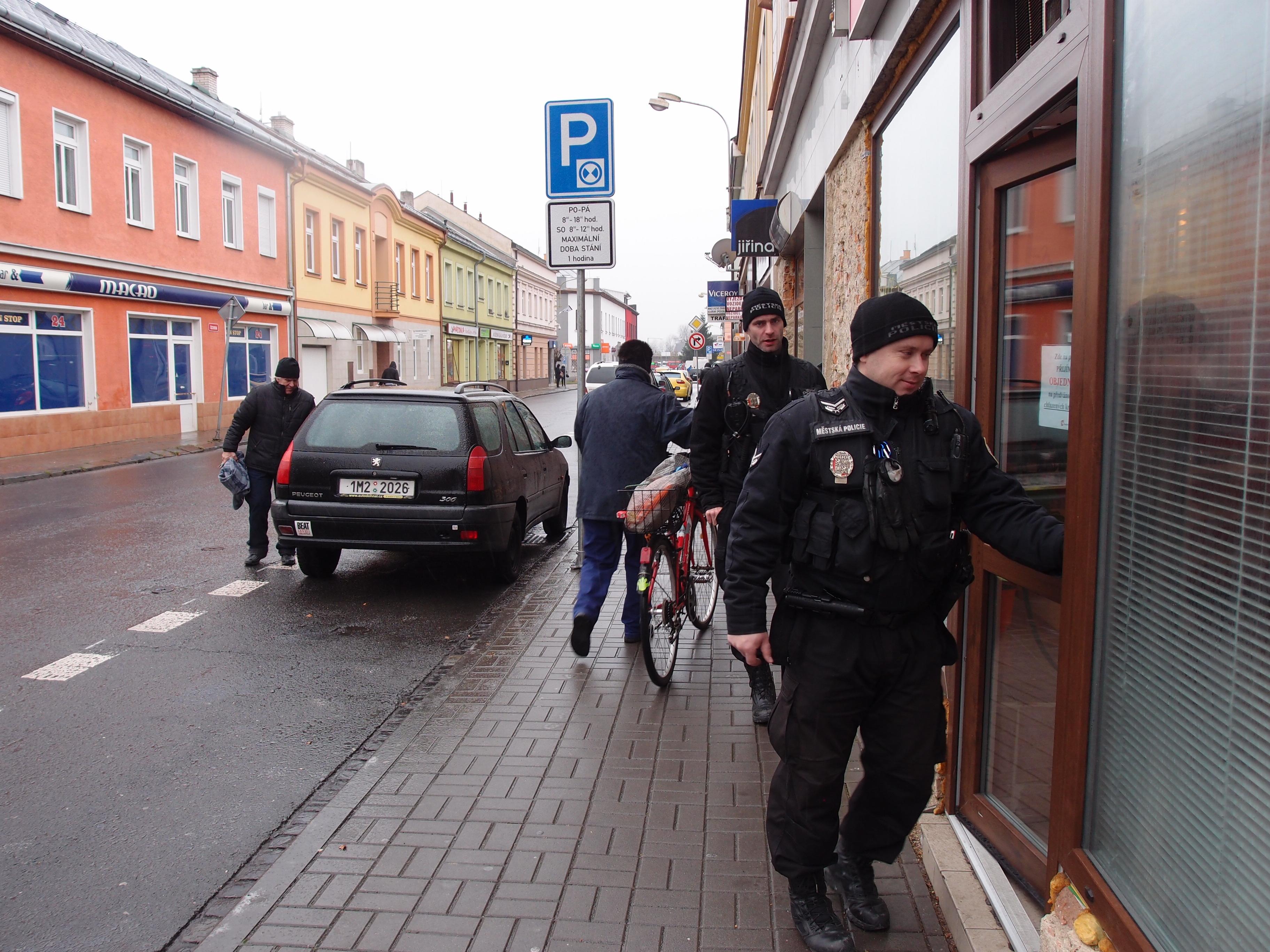 Městští policisté od 1. prosince monitorují přednádražní čtvrť., obrázek se otevře v novém okně