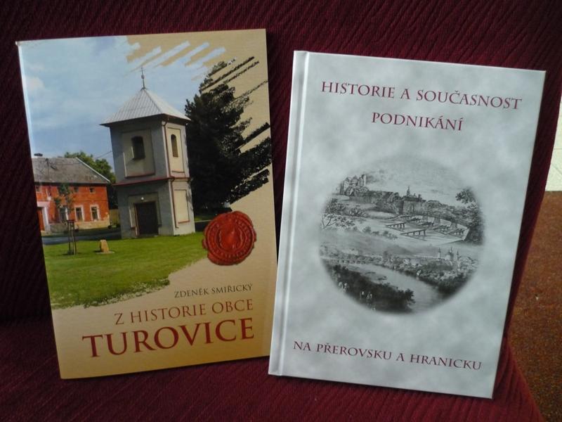 Knihy, obrázek se otevře v novém okně