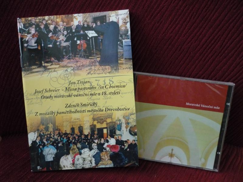 Kniha a CD, obrázek se otevře v novém okně