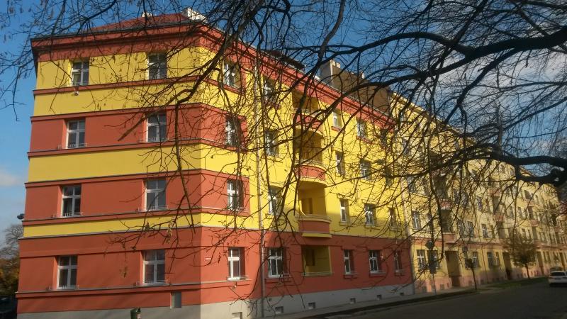 Bytový dům, nám. Fr. Rasche 7 (po), obrázek se otevře v novém okně