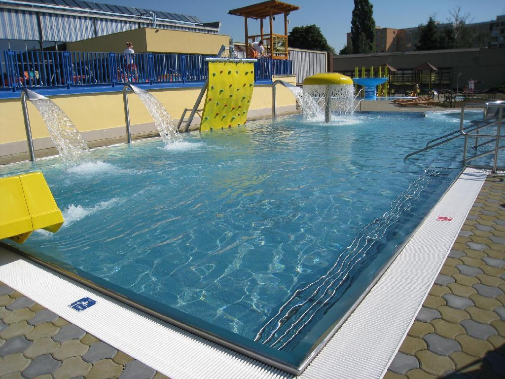 venkovní bazény - po realizaci, obrázek se otevře v novém okně