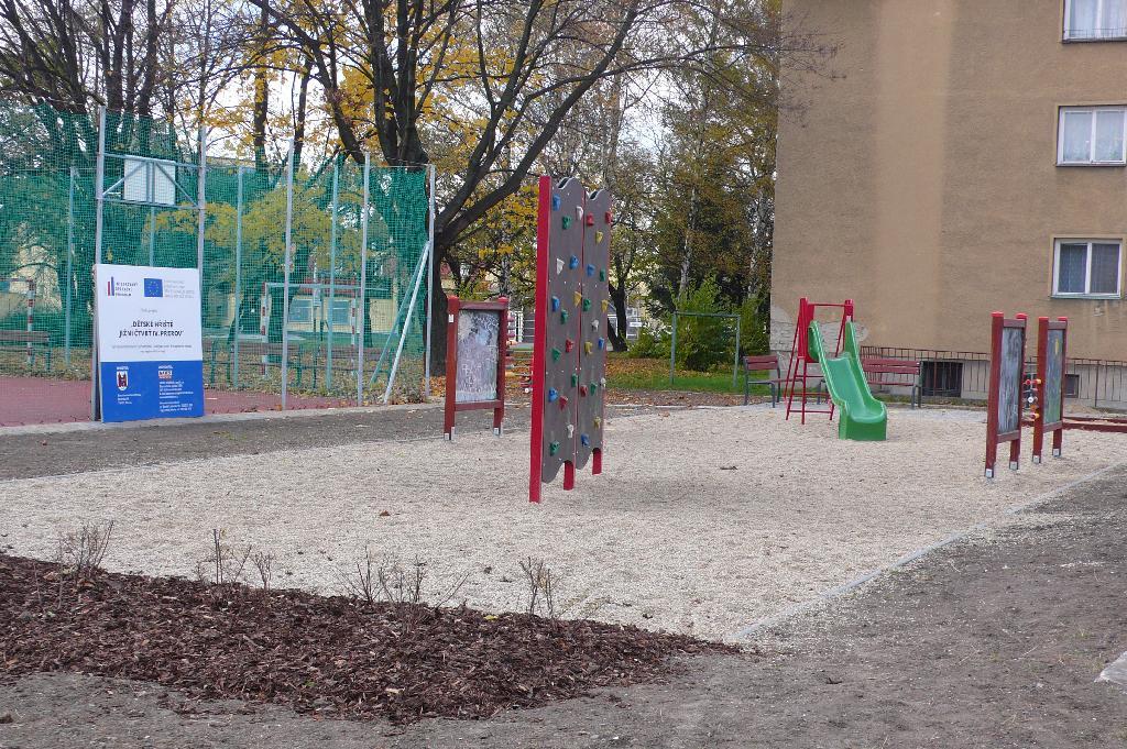 dětské hřiště Jižní čtvrť IV - po realizaci, obrázek se otevře v novém okně