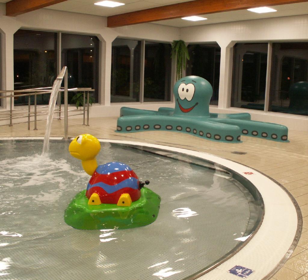 dětský vnitřní bazén, obrázek se otevře v novém okně