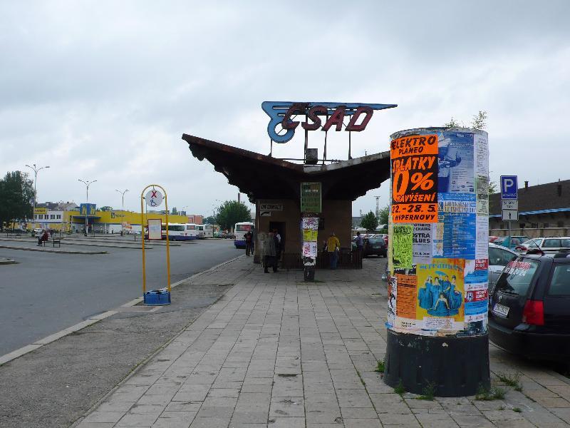 Příchod od vlakového nádraží před rekonstrukcí, obrázek se otevře v novém okně
