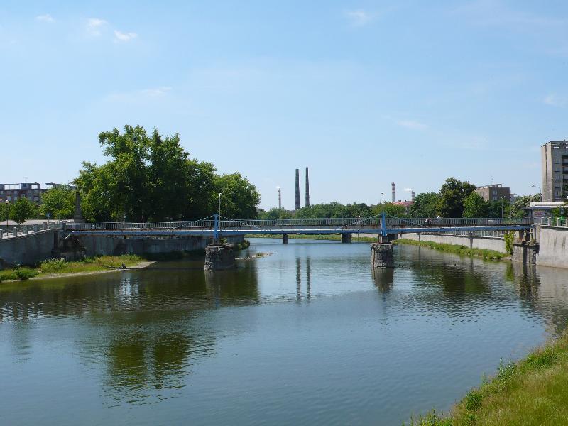 Pohled na most, obrázek se otevře v novém okně