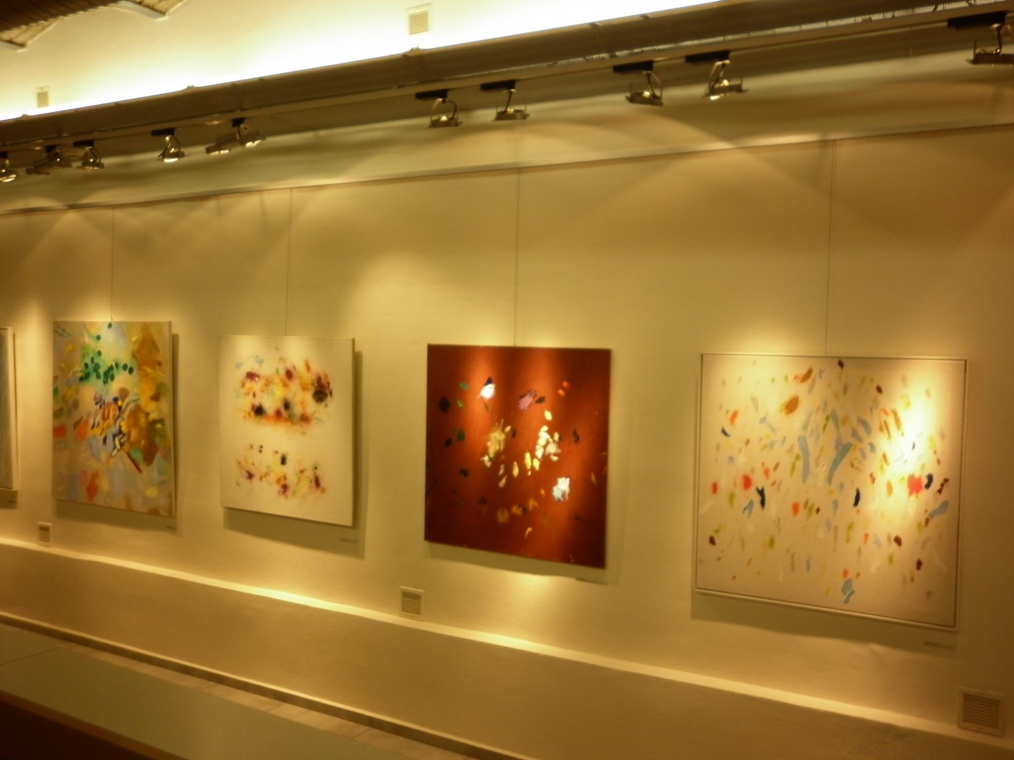 Spřízněnost - pohled do instalace, obrázek se otevře v novém okně