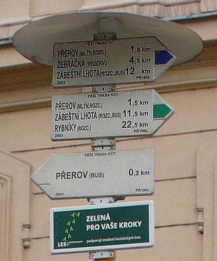 Turistické trasy - rozcestník, obrázek se otevře v novém okně